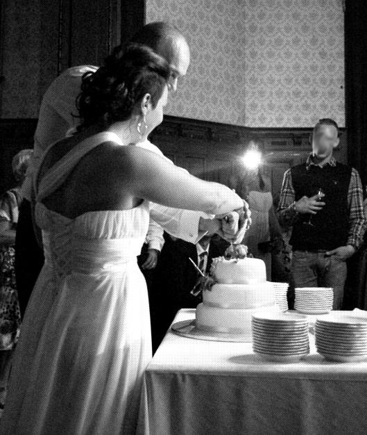 Bröllopstårtan råkar illa ut...